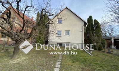 Eladó Ház, Pest megye, Százhalombatta, Dunafüred, csendes, rendezett utca
