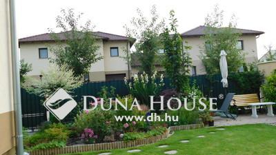 Eladó Ház, Budapest, 16 kerület, Gyönyörű kertes sorház, jó helyen