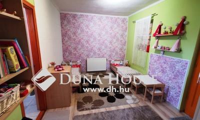 Eladó Ház, Jász-Nagykun-Szolnok megye, Jászberény, Főiskolához közel, csendes helyen, biztonságban!
