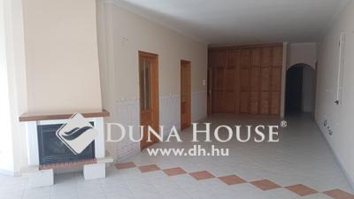 Eladó Ház, Komárom-Esztergom megye, Tatabánya, csendes mellékutca