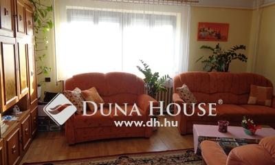 Eladó Ház, Bács-Kiskun megye, Izsák, Rendezett utcában rendezett 4 szobás családi ház