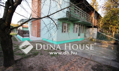 Eladó Ház, Bács-Kiskun megye, Kecskemét, Nappali+3 szobás, dupla garázsos ház!