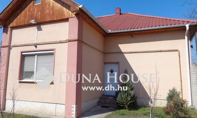 Eladó Ház, Budapest, 20 kerület, Erzsébetfalván 3 külön lakásból álló családi ház