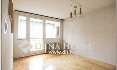 Eladó Lakás, Baranya megye, Pécs, 'Jó elosztású 3 szobás földszinti lakás'