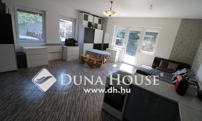 Eladó Ház, Pest megye, Veresegyház, Tóparton 68 nm-es,3 szobás ház,pincével,kúttal.