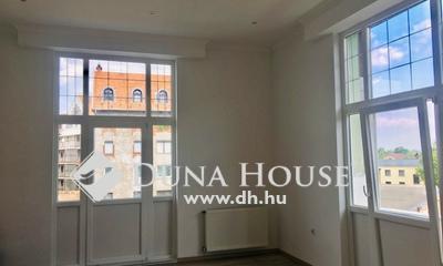 Eladó Lakás, Budapest, 8 kerület, Egyetemekhez közel, felújított, erkélyes lakás