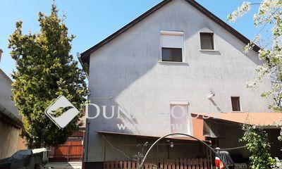 Eladó Ház, Jász-Nagykun-Szolnok megye, Jászberény, Központ közeli csendes utca