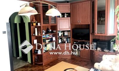 Eladó Ház, Budapest, 14 kerület, 80 nm-es ikerház, 466 nm telek, fedett autóbeálló!