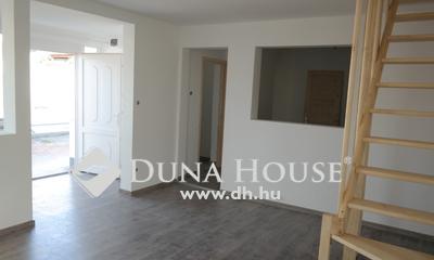 Eladó Lakás, Budapest, 20 kerület, Két szintes lakás kocsibeállóval, 4 lakásos házból