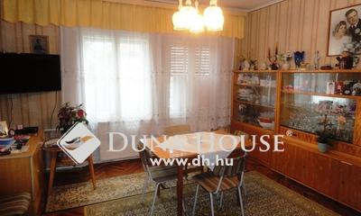 Eladó Ház, Veszprém megye, Pápa, Pápa családi ház, 4 szoba, 2 fedett terasz, kert