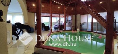 Eladó Ház, Budapest, 18 kerület, Belső medencés, 450 nm es ház, 1684 nm telken