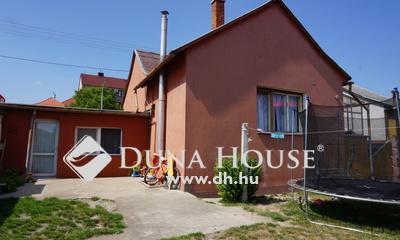 Eladó Ház, Veszprém megye, Várpalota, Központban.