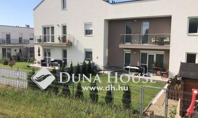 Eladó Ház, Győr-Moson-Sopron megye, Győr, Szitásdombi, belső két szintes, kertkapcsolattal!