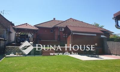 Eladó Ház, Pest megye, Üllő, Központ közeli, csendes utca