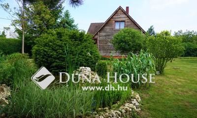 Eladó Ház, Veszprém megye, Szentgál, Falu szélén, csendes helyen.