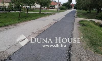 Kiadó Tároló, Fejér megye, Bicske, Központ közeli