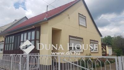 Eladó Ház, Baranya megye, Siklós, Siklós kertvárosias részén, csendes utcában