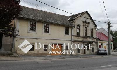 Eladó Ház, Pest megye, Sóskút, Központban sokrétű hasznosítás!