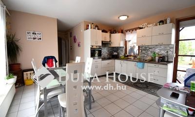 Eladó Ház, Bács-Kiskun megye, Kecskemét, Méntelken 160m2-es családi ház 13 hektár területen