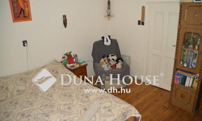 Eladó Ház, Pest megye, Dunakeszi, ÖSSZEKÖLTÖZŐK! EGY TELEK KÉT HÁZ