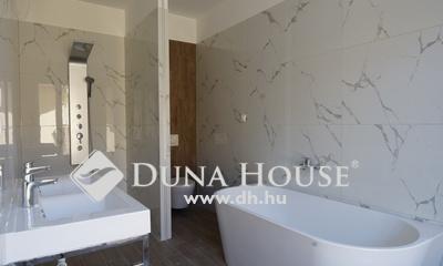 Eladó Ház, Bács-Kiskun megye, Kecskemét, Ballószög új részén, nappali + 4 szobás ÚJ HÁZ