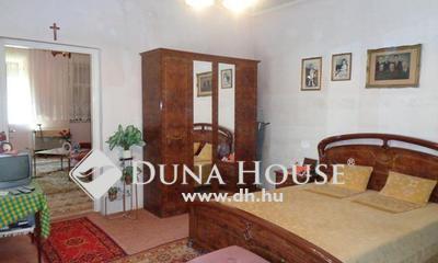Eladó Ház, Bács-Kiskun megye, Izsák, Központban jómódú parasztház eladó