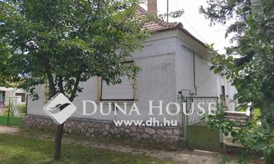 Eladó Ház, Veszprém megye, Lovászpatona, Mellékutcában, nagy lehetőségek háza