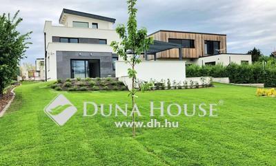 Eladó Ház, Budapest, 22 kerület, Zsákutca-Medence-Szauna-Mozi szoba-Pince!