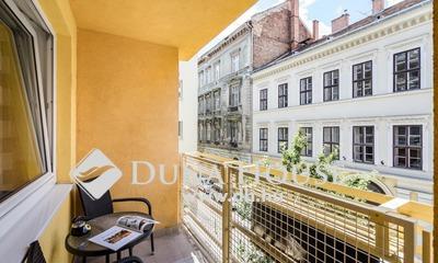 Eladó Lakás, Budapest, 7 kerület, Holló utcában, erkélyes, felújított 50 nm-es lakás