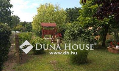 Eladó Ház, Bács-Kiskun megye, Kiskunfélegyháza, Selymes, kétszobás házzal, mellék épülettel
