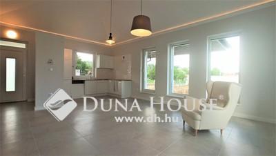 Eladó Ház, Bács-Kiskun megye, Kecskemét, 2020-as építésű családiház a Petőfivárosban