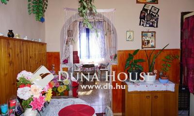 Eladó Ház, Veszprém megye, Hajmáskér, Központban, csendes helyen.