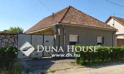 Eladó Ház, Veszprém megye, Pápa, központhoz közel, csendes utcában