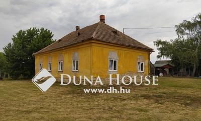 Eladó Ház, Győr-Moson-Sopron megye, Gyömöre, központhoz közel, a nagy lehetőségek háza