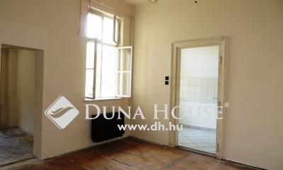 Eladó Lakás, Budapest, 20 kerület, Két szobás, azonnal költözhető, kert