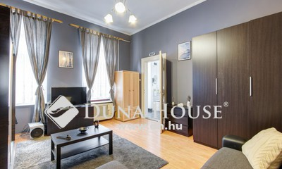 Eladó Lakás, Budapest, 7 kerület, Magyar Színháznál 1+1 szobássá alakítható lakás.