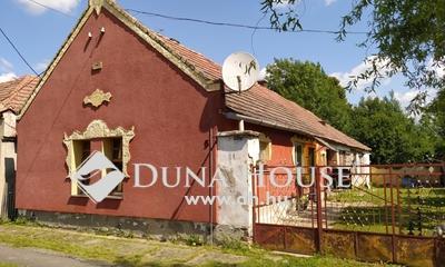 Eladó Ház, Veszprém megye, Lovászpatona, Központban, csendes utcában