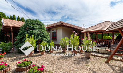 Eladó Ház, Pest megye, Csomád, Földszintes családi ház parkosított kerttel!