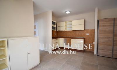 Kiadó Lakás, Bács-Kiskun megye, Kecskemét, 51 m2-es újépítésű lakás a belvárosban kiadó