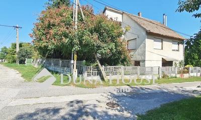 Eladó Ház, Komárom-Esztergom megye, Mocsa, Templom köz