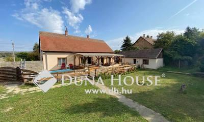 Eladó Ház, Pest megye, Pécel, Központ közeli