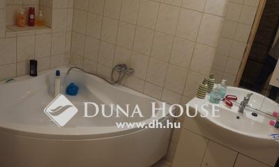 Eladó Ház, Bács-Kiskun megye, Kiskunfélegyháza, Belvárosban részben felújított ház 763 m2 portával