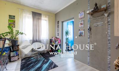 Eladó Ház, Budapest, 4 kerület, Csendes, jó környéken ikerház