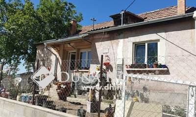Eladó Ház, Komárom-Esztergom megye, Kesztölc, Temető utca