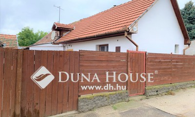 Eladó Ház, Bács-Kiskun megye, Kecskemét, Kecskeméten kis ház kis kerttel