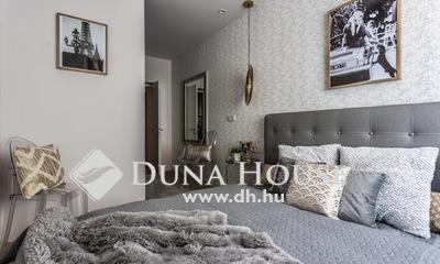 Eladó Lakás, Baranya megye, Pécs, Történelmi belvárosban tömör elegancia