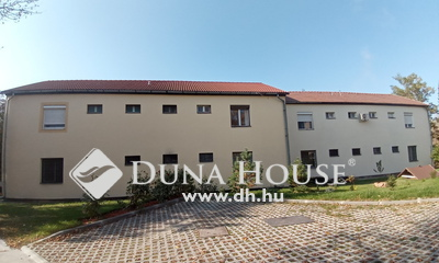 Eladó Lakás, Veszprém megye, Ajka, Két szobás tégla lakás parkos környezetben