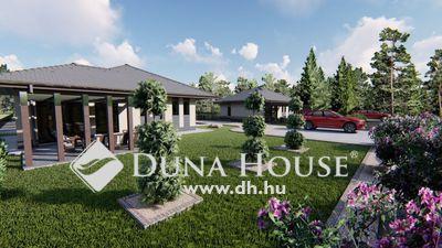 Eladó Ház, Bács-Kiskun megye, Kecskemét, Lakóparkos kialakítás - 650 nm telken