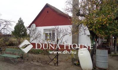 Eladó Ház, Bács-Kiskun megye, Izsák, Karbantartott kis házikó
