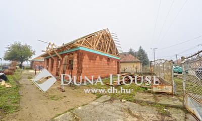 Eladó Ház, Pest megye, Újhartyán, Csendes mellékutcában 4 lakószobás családi ház